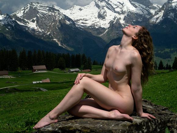 Naked Eastern Europe Women